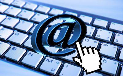 ¿A quién puedo  enviar un correo electrónico con publicidad de mi empresa?